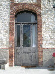 Ancienne porte d'entrée à Ossey les trois maisons dans l'Aube