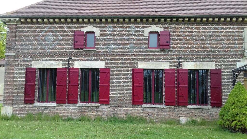 Bernard Forgeot, pose de menuiserie Aube, porte, fenêtre, volet